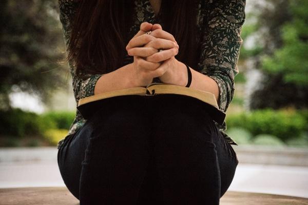 シャイボーイの特徴や恋愛心理と攻略する為の7つの鍵
