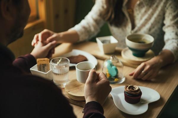 男性が女性を食事に誘う時に分かる男性心理の本気度チェック