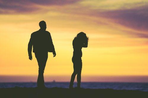 男性が嫌いな女性にとる7つの態度と好き避けの見極め方