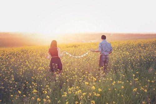 引き寄せの法則を使って片思いの恋愛を成功させる方法とは?