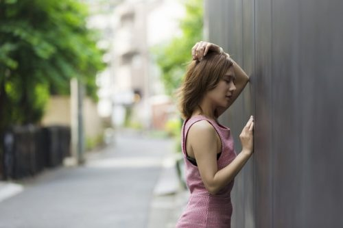 恋愛で失敗ばかりする女性が繰り返してしまう感情の秘密